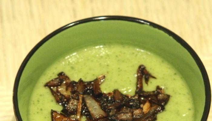 Vellutata di zucchine e cipolle, ricetta light benessere