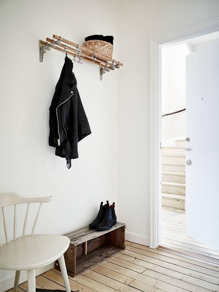 minimalist entryway decor