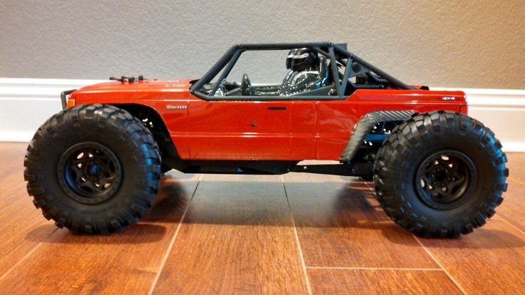 Axial Yeti with proline Jeep body