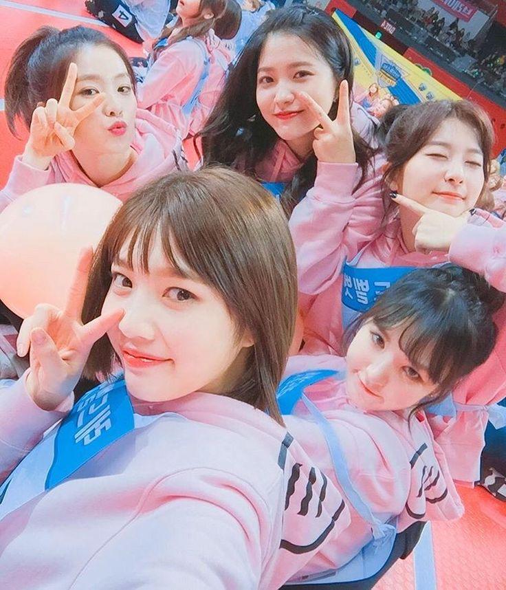 249.6 тыс. отметок «Нравится», 4,700 комментариев — Red Velvet Official Instagram (@redvelvet.smtown) в Instagram: «오늘도대댕큐»