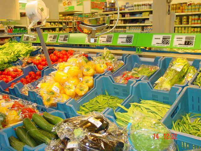 Rådden frugt i danske supermarkeder, læs om risici og følger af dårlig hygiejne >>