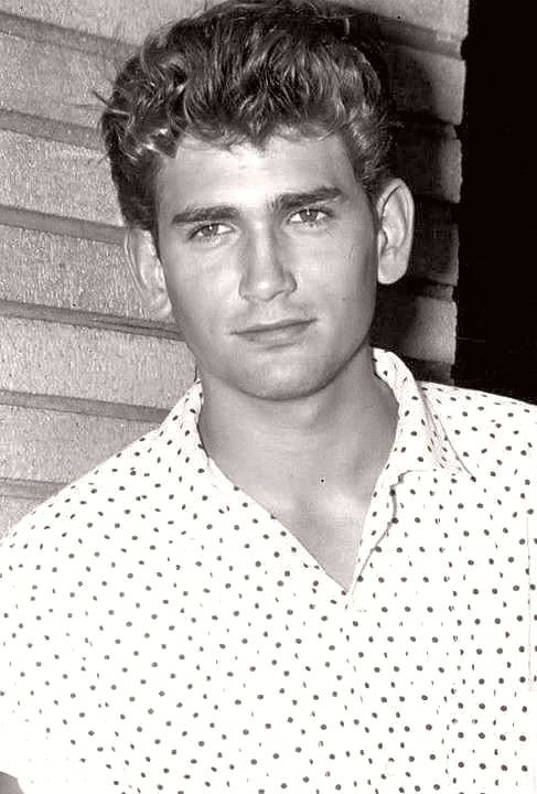 ༺♥༻ Michael Landon in high school years