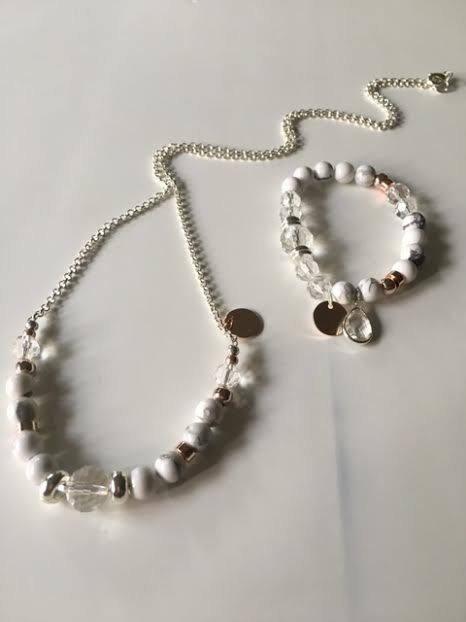 Crystal & Marbled howlite, rose gold & silver, an elegant combination.Wear alone or stack them with your other Savannah Rose braceletsTo purchase the matching necklace - click on Necklace at the front of store.All Savannah Rose Jewellery is lovingly handmade from my wee studio at home just for you.  Handmade in New Zealand  Enjoy !