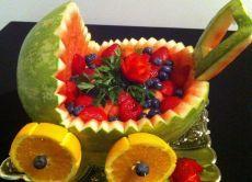 Как оформить фруктовый стол: карвинг из фруктов, фруктовая нарезка на праздничный стол - фото идеи