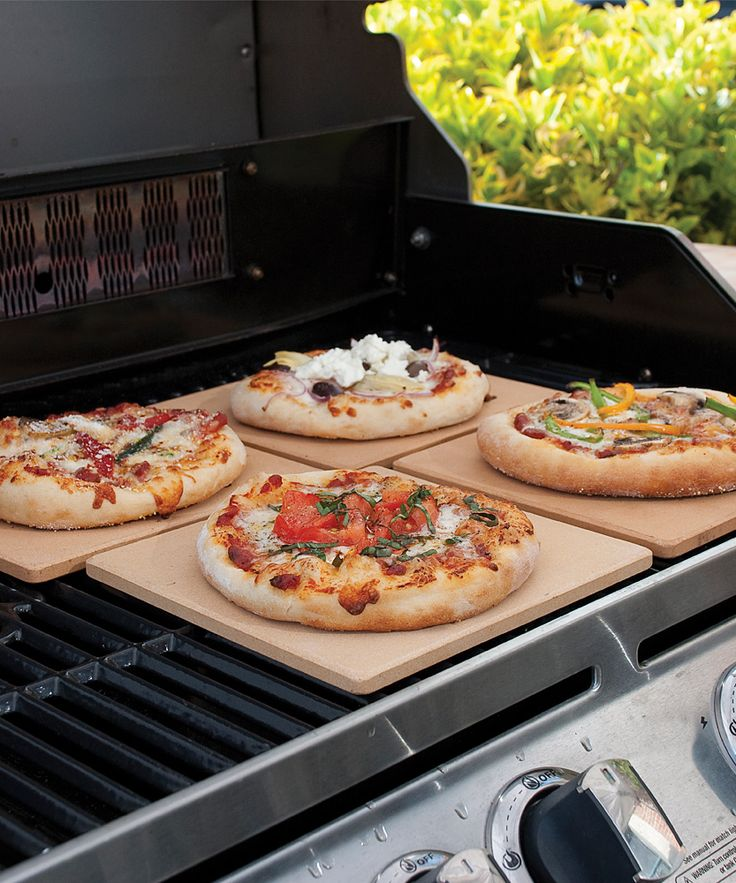 Mini Pizza Stones - pizza stones eliminate hot spots to create uniformly browned crusts. Use them to bake individual portions or reconfigure to bake an entire pie.