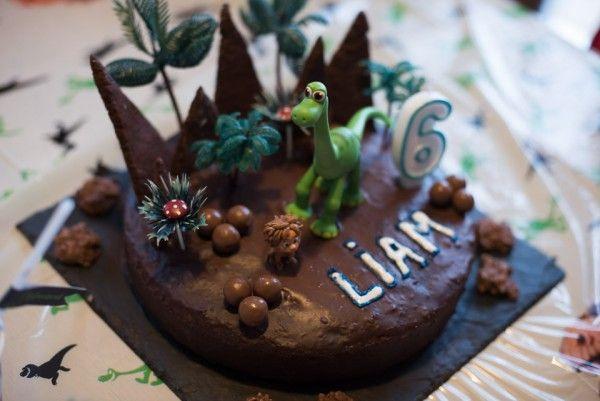 Sweet table Anniversaire enfant Le voyage d'Arlo Arlo the good dinosaure gateau…
