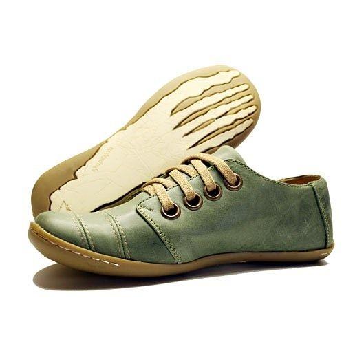 Ojal #aguapatagona #soles #leather #rubber #bones #marcapaisargentina #shoes #boots  #argentinadesign  #Girona #CostaRica #BuenosAires #SanTelmo #SANDALS