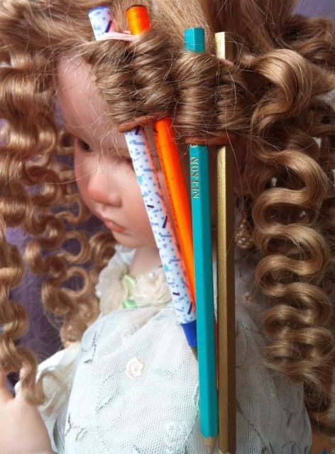 Небольшой опыт по созданию прически нашим любимым девочкам. / Кукольная мастерская: ремонт и реставрация кукол / Бэйбики. Куклы фото. Одежда для кукол