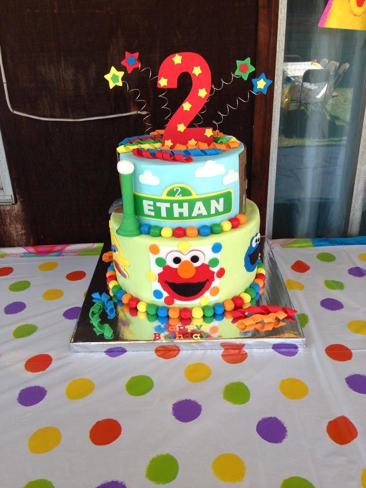 The 25+ best Elmo birthday cake ideas on Pinterest Elmo ...