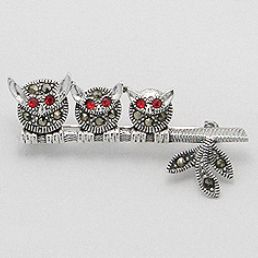 Brosa bufnite in stil vintage - bijuterie din argint cu marcasite si zirconiu. http://www.argintarie.ro/Brosa-argint-bufnite-p-17103-c-359-p.html