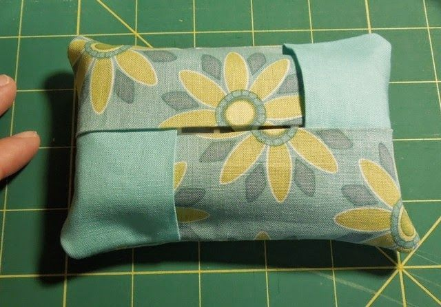 BRAIDED PATCHES TISSUE HOLDER TUTORIAL    I know there are tons of free tissue holder patterns and tutorials available on the web and I ...