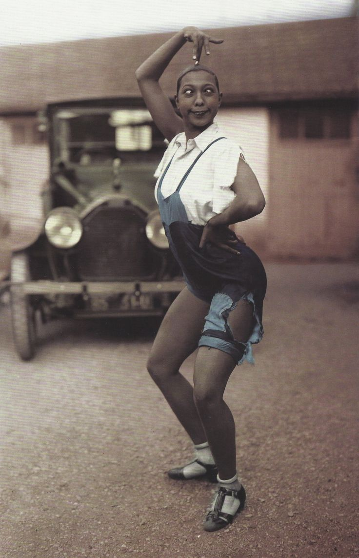 For all U who rip your clothing its nothing new..... Love this crazy woman....Joséphine Baker, France, années 1920