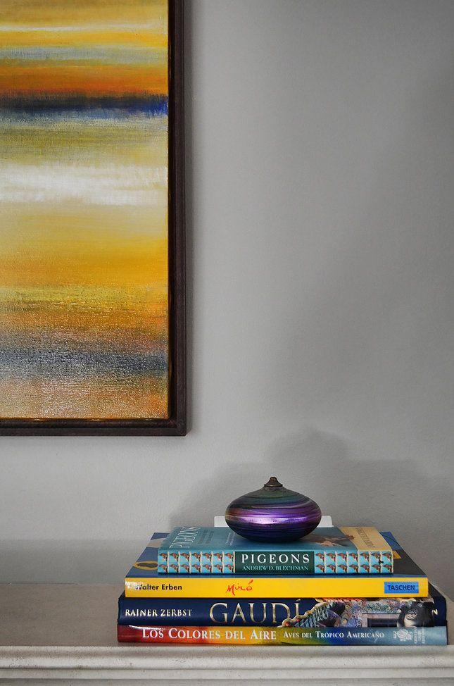 Centennial Park House - Swan Studio Interior Design | mantle accessories book display