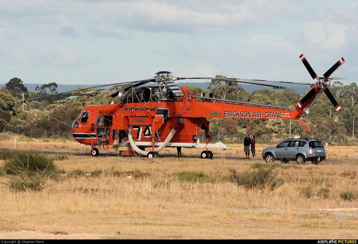 Erickson Air-Crane Sikorsky S-64E Helitanker photo by Stephen Perry