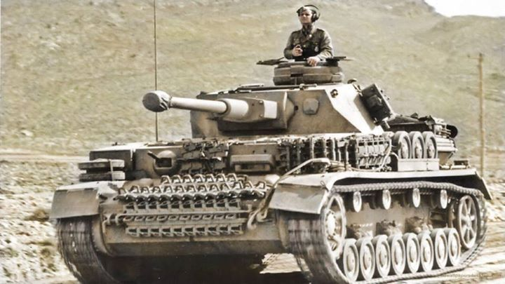 A Panzer IV Ausf.G from 8./Pz.Rgt.7/10 Pz.Div. in The Kasserine area of Tunisia, during the first quarter of 1943. (Colourised by Royston Leonard)