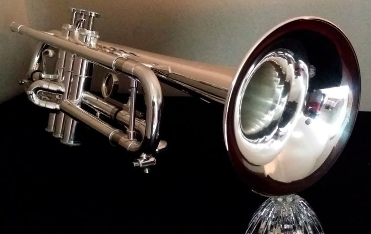 BEAUTIFUL 1969 GETZEN ETERNA 900S DOC SEVERINSEN MODEL  THE EXACT SAME MODEL I BOUGHT SUMMER BEFORE MY FRESHMAN YEAR  I PAID $315  THIS ONE LISTED ON EBAY $1795