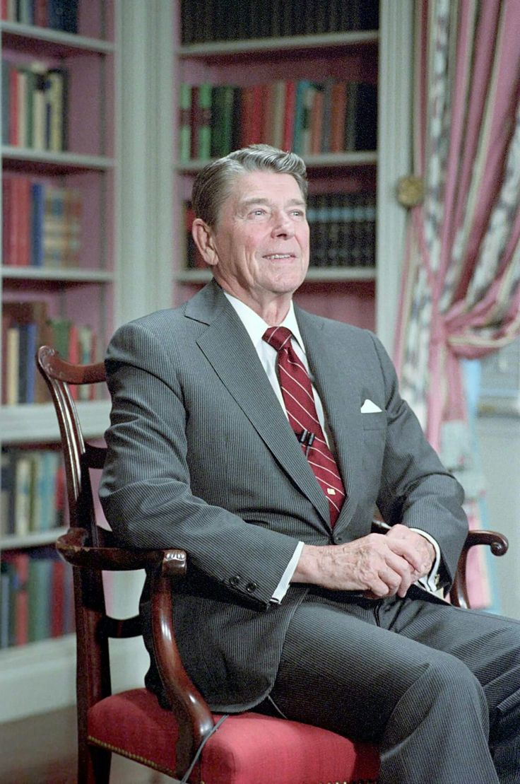 ronald wilson reagan 40th president of Remarks by the president upon the death of president ronald reagan 'a great man, a political giant' history of the cowboy.