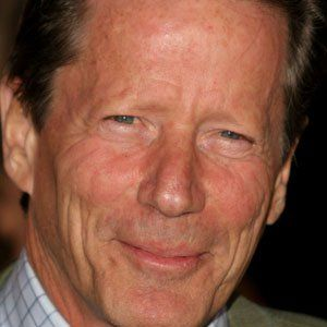 Peter Strauss - Bio, Facts, Family | Famous Birthdays