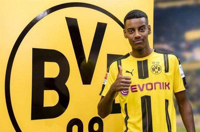 Młody Szwed podpisał kontrakt z Borussią Dortmund • Alexander Isak nowym Zlatanem Ibrahimoviciem • Zobacz umiejętności i gole Isaka #bvb #borussia #isak #football #soccer #sport #sports #pilkanozna #futbol