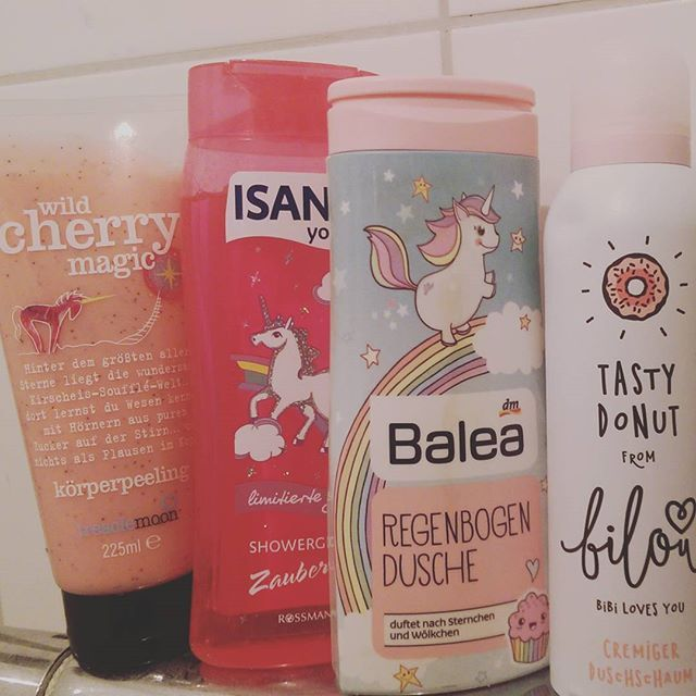 Meine DuschLieblinge. ❤ #unicorn #einhornliebe #einhornpower  #dm #shampoo #pflegeprodukte #hype #bilou❤ #balea #isana #treaclemoon #magical #nichtohnemeineinhorn #verrücktdanach #duftetnachsternchenundwölkchen #duftetsogut #rossmann
