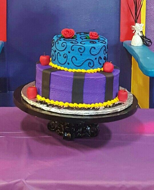17 Best images about descendants cakes on Pinterest ...