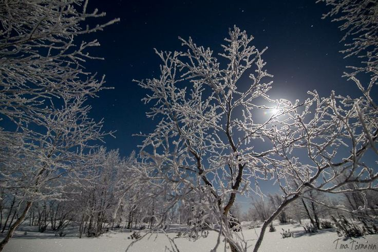 Moon over Utsjoki ...