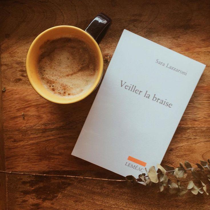 Un roman tellement touchant et si bien écrit, nous avons vraiment eu un coup de cœur pour Veiller la braise de Sara Lazzaroni! Il se retrouve d'ailleurs dans notre coffret thématique Lectures et couvertures 📖 #lefilrougelit