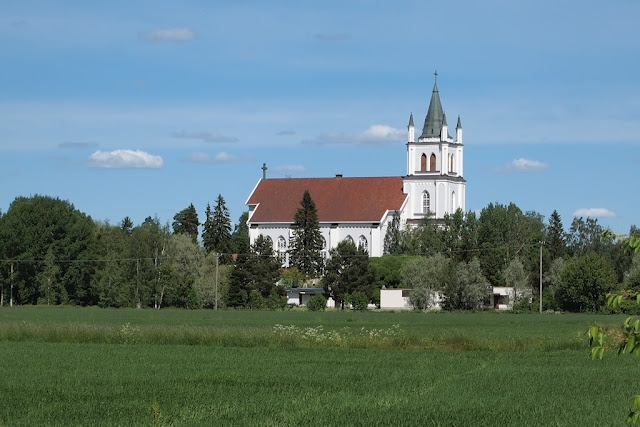 "Ylistaro, which is nowadays part of Seinäjoki, has this ""Komia Kirkko"".  The dialectual nickname translates into Magnificent Church. It was built in 1847-1850 and designed by E.B. Lohrmann. As the church is very big for a parish size of Ylistaro, it has been playfully told that the was a mixup in the drawings and some smaller church should have been built there. I quess that is not true and it stands right where it should. seinajokidailyphoto.blogspot.com"