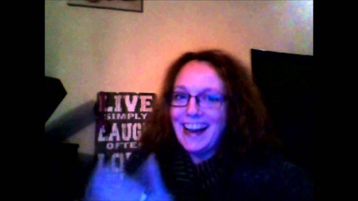 DEEL 3: 100 vragen die mij nooit eerder werden gesteld - deel 3 (Nov. 4, 2015)  In deze vlogs beantwoord ik 100 vragen die mij nooit eerder zijn gesteld. Elk deel bestaat uit 10 vragen. :-)  Deel 1: maandag 2 november 2015 (vraag 1 t/m 10) Deel 2: dinsdag 3 november 2015 (vraag 11 t/m 20) Deel 3: woensdag 4 november 2015 (21 t/m 30 + een lezersvraag)