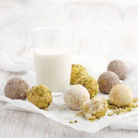 Ricotta coconut balls