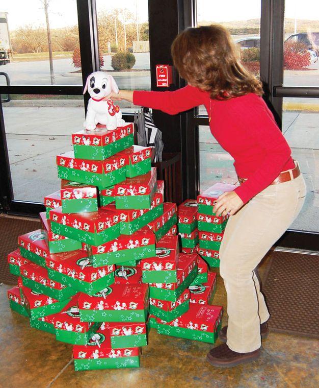 47 best Operation Christmas Child images on Pinterest | Shoebox ...