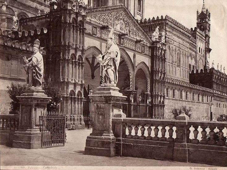 Foto Giorgio Sommer. Portico meridionale della Cattedrale.