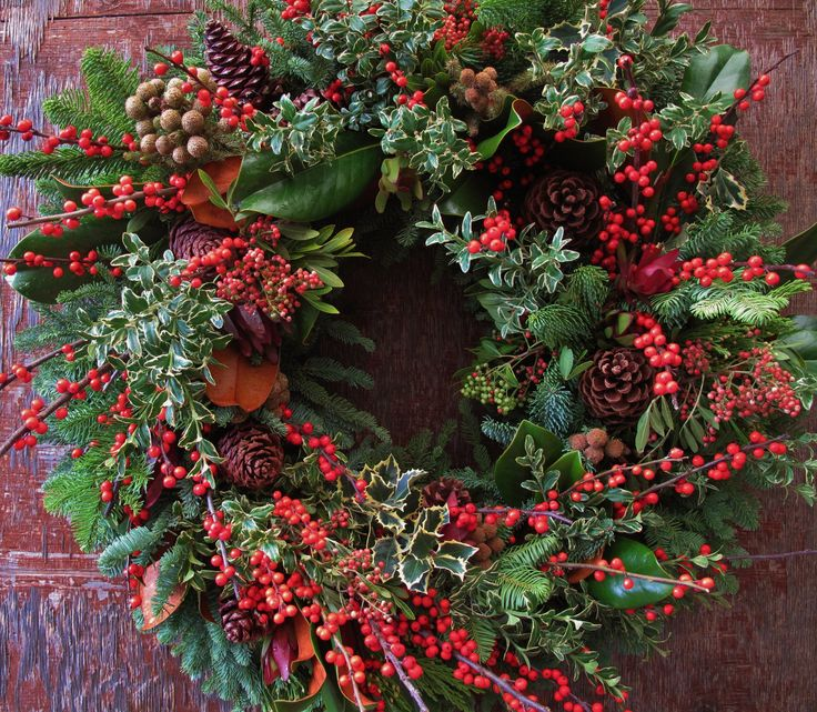 Gorgeous Wreath From Rogers Gardens Corona Del Mar California Christmas Winter Pinterest
