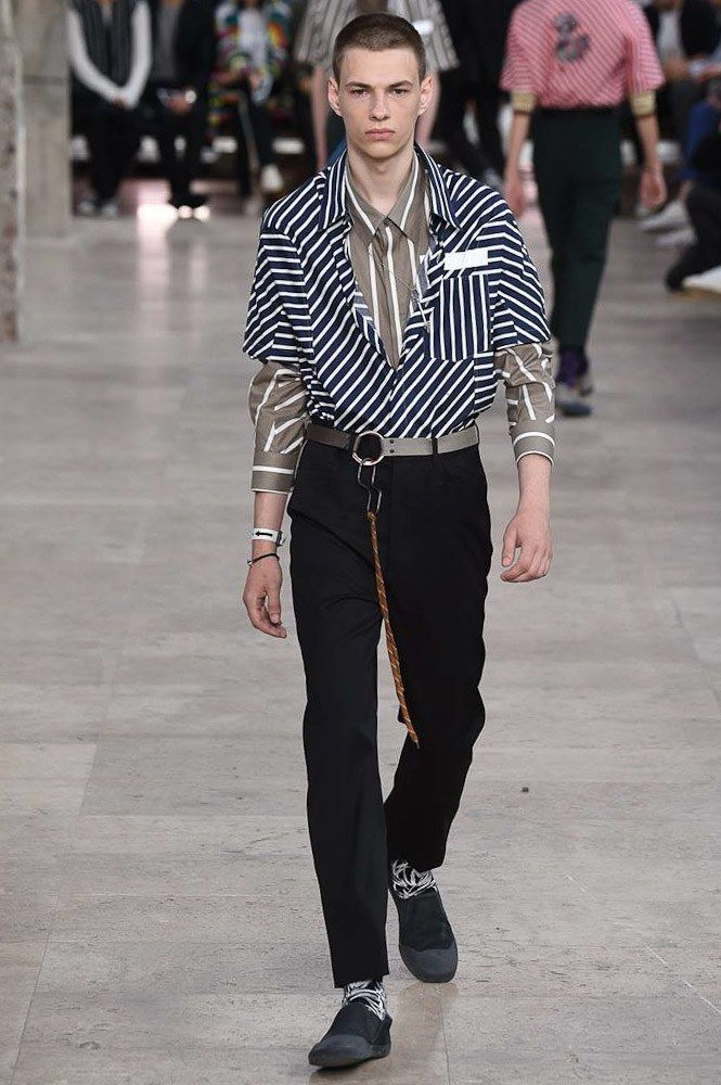 See the complete Lanvin Spring 2017 Menswear collection. für   Sie   hier   vom   Gentlemansclub   gepinnt . . . - schauen Sie auch mal im Club vorbei - www.thegentlemanclub.de