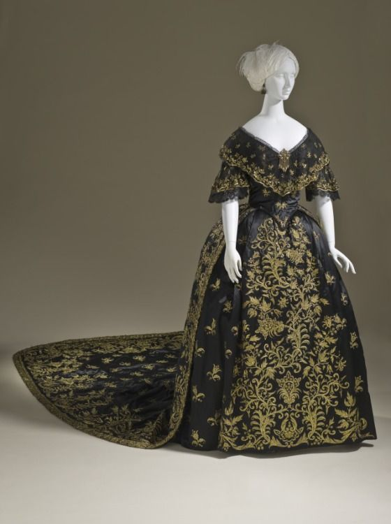 Haute Couture Victorian Fashion 19th Century Ball Gown