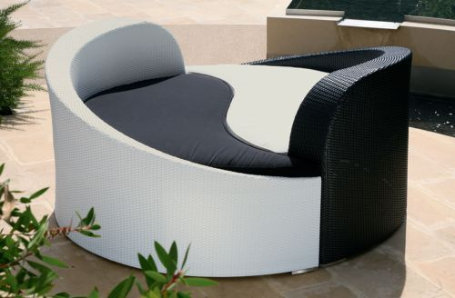 Yin Yang Day Bed Outdoor Furniture This Is Zen