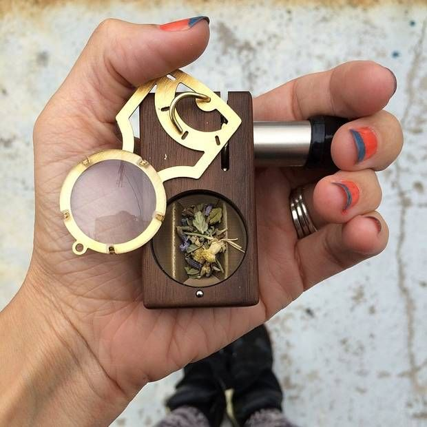 Weed vaporizers: Vapourising marijuana is now more popular than smoking it in a joint with tobacco, the Global Drug Survey 2015 has found. - World - News - The Independent