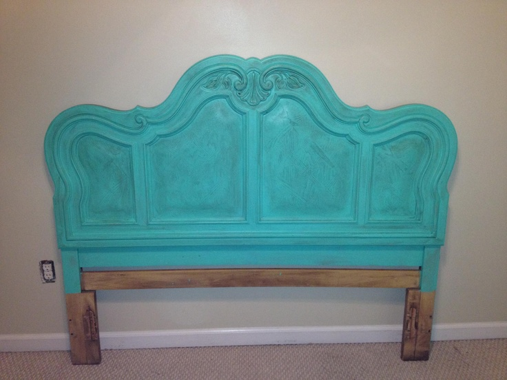 Turquoise headboard, pop of color, guest room