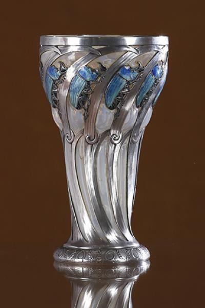 "René Lalique (1860-1945) - ""Gobelet Scarabées Rhinocéros"", circa 1897-1899 - ""Legends of the fall"