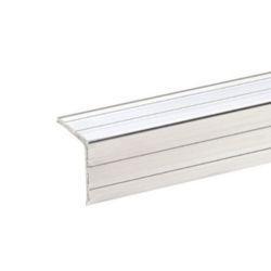 PERFIL de aluminio tipo ANGULO 20 X 20 precio por metro lineal    Perfil de angulo de aluminio para la fabricación o reparación de flightcase.  Angulo de 20 x 20 mm.  De 1,5 mm de espesor.  Peso 0,16 grms/m.  El precio es por metro y se suministra en barras de 2 mts.