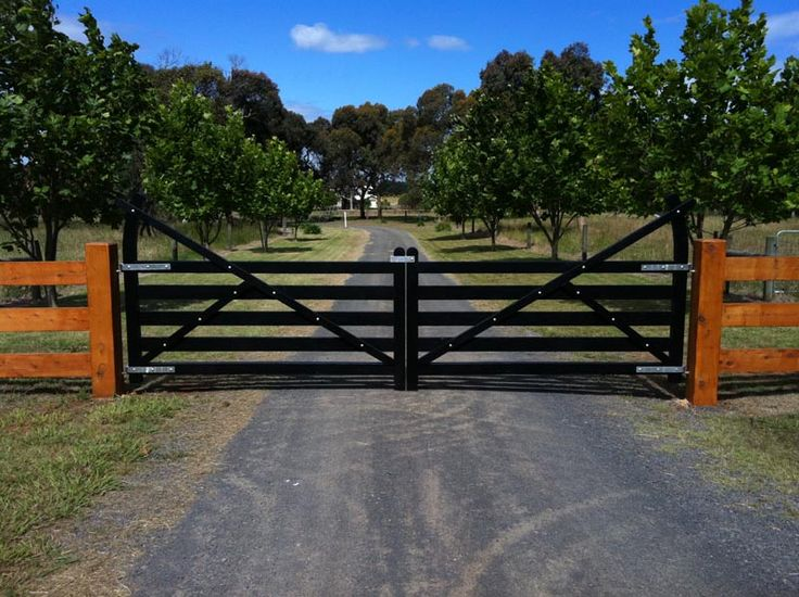 Wooden Gates Victoria: Farm | Tudor | Country | Driveway