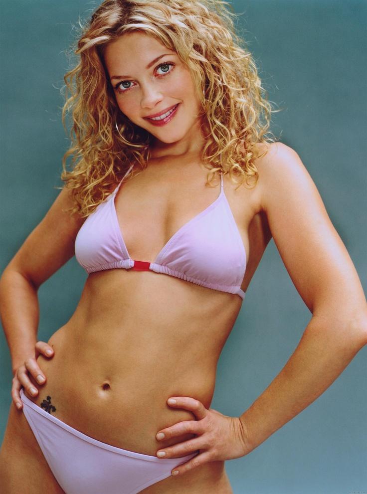 Amanda detmer bikini