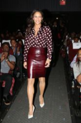 Paula Patton is one of the celebrities to wear the Burberry shirt