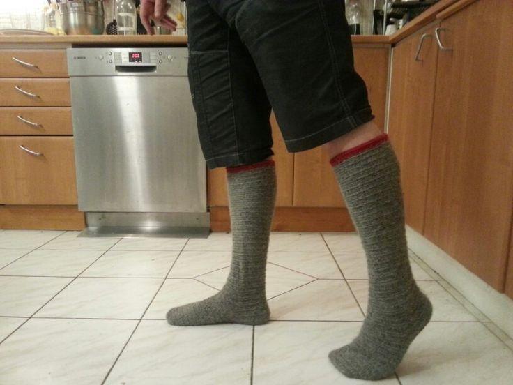 Nålbundna strumpor gjorda åt Torbjörn efter militärens knästrumpor.