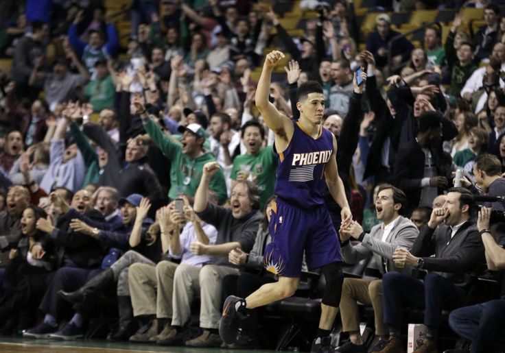 Devin Booker had never scored so much as 40 points in an NBA game before. (Elise Amendola/Associated Press)  On a night when most sports fans were watching Kentucky's next group of NBA stars, one if its recent products went off in a record-setting performance. Suns shooting guard Devin...  http://usa.swengen.com/suns-devin-booker-scores-70-against-celtics-in-record-setting-performance/