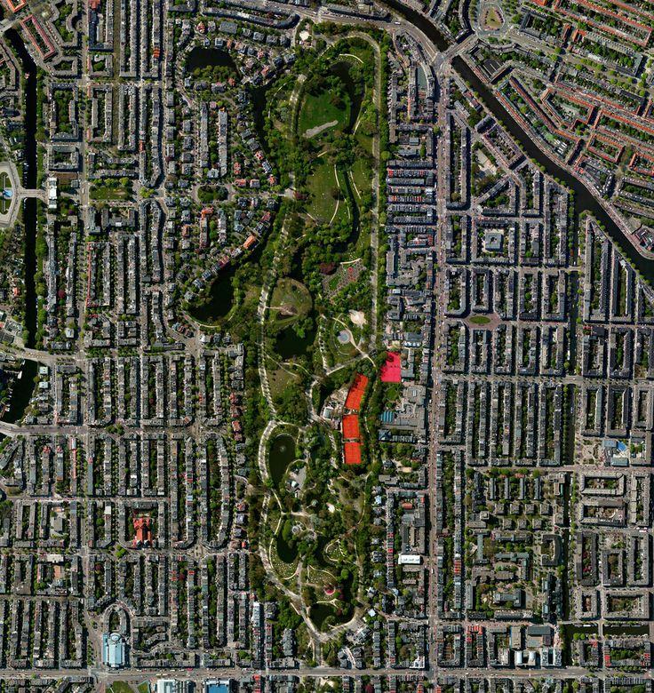 Civilização em perspectiva: O mundo visto de cima,Amsterdam, Netherlands. Image Courtesy of Daily Overview. © Satellite images 2016, DigitalGlobe, Inc