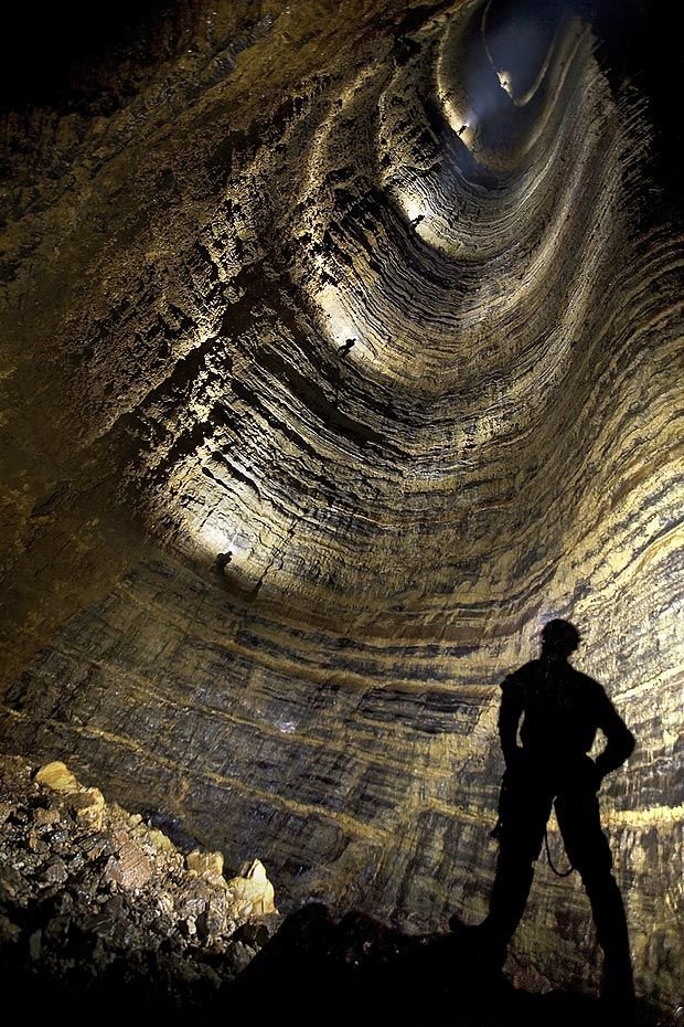 China's 1,660ft Miao Keng shaft