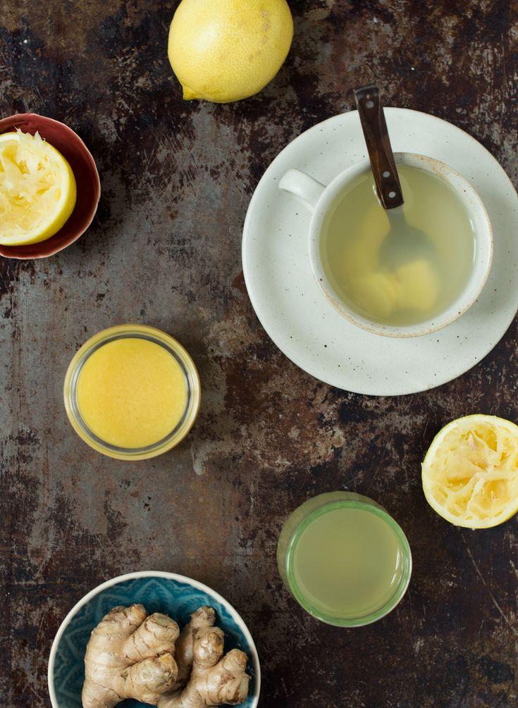 Det er nemt at lave egne ingefærshots. Her er tre forskellige slags opskrifter på ingefærshots - i juicer, på komfuret og en med lidt ekstra rom.