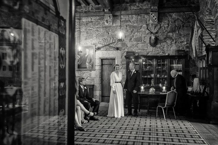Eilean Donan Castle Wedding Photography by Scottish Wedding Photographer - Lynne Kennedy#EileanDonanCastle #WeddingPhotography #ScottishWeddings #Elopement