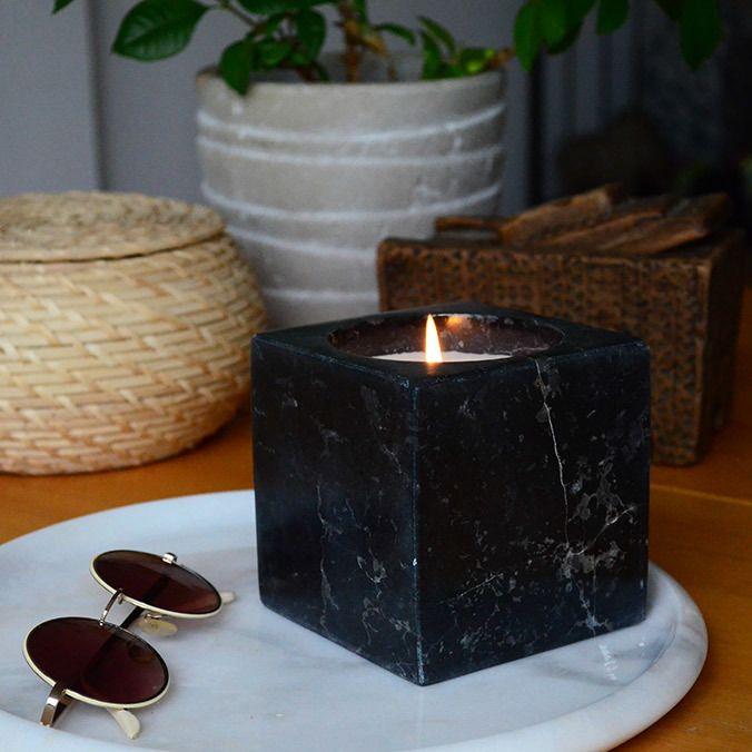 El yapımı mermer mumluk Cuby Mum Materyal:Afyon Siyah Mermer Malzeme :300 gr Soya Mumu Ebat:L & W : 10 cm H : 10 cm #bakırmumluk #bakirmum #mermermum #pirinçmumluk #copper #marble #candle #candles #candlelight #paddywaxcandles #candleholder #candlestick #brass #candleaddict #şamdan #interiordesign #tealightholders #tealight #homedecor #bronzmumluk #bialdim #bialdimshop